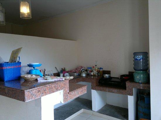 Sandat Bali:                   Kitchen