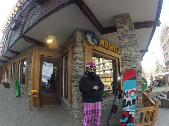Hotel Stella Alpina :                   Ski Hire Shop