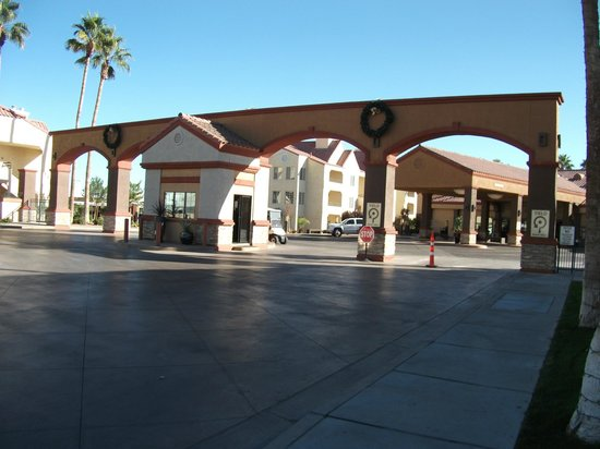 Holiday Inn Club Vacations at Desert Club Resort:                   Main Enterance