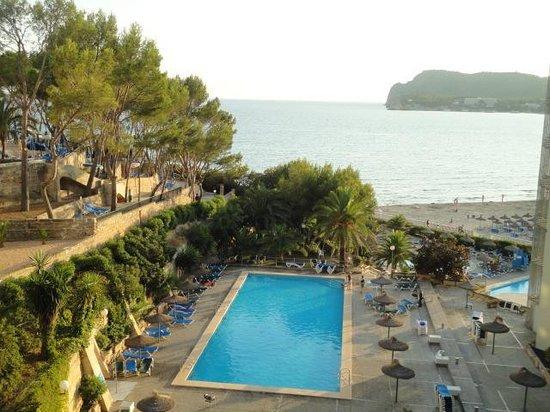 Beverly Playa:                   top pool
