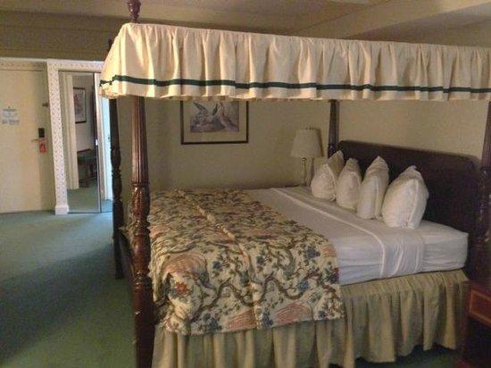 The Desmond Hotel Malvern: Room from Window Area