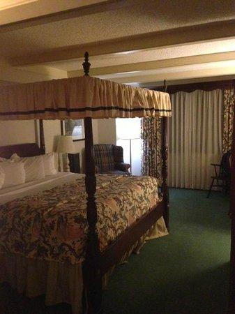 The Desmond Hotel Malvern: Room from Door Area