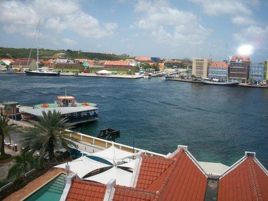 Otrobanda Hotel and Casino:                   Visão panorâmica do apartamento