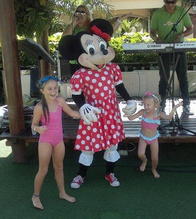 Green Garden Resort & Suites: Visit from Minnie