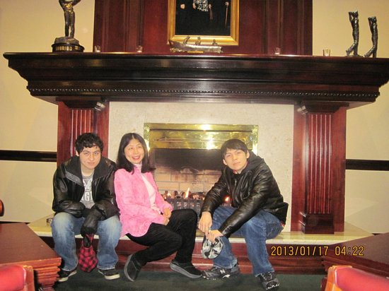 Adare Manor:                   a cozy fire place @ the club house