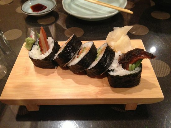 Ando Japanese Restaurant  and Sushi Bar: Eel Roll