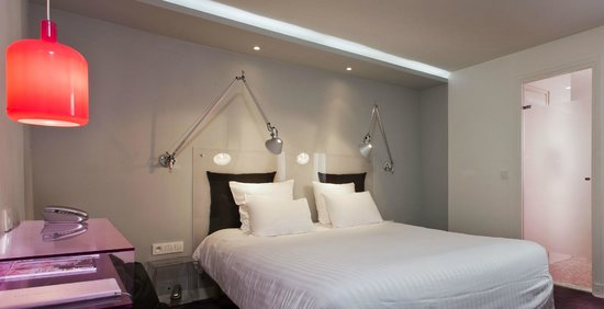 Color design hotel paris frankrike omd men och for Color design hotel paris