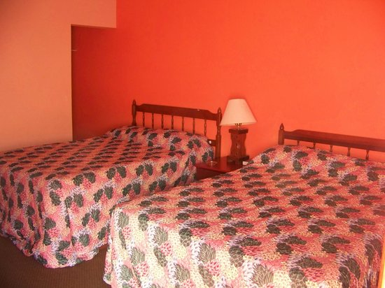 Sunset Motel: 2 Beds Room