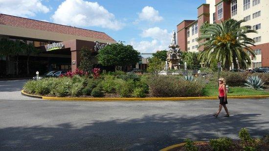 Allure Resort International Drive Orlando: Blick vom (kostenlosen) Parkplatz aus