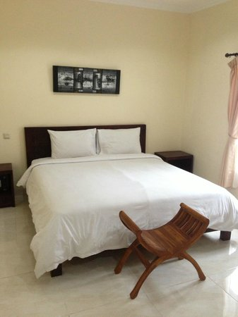 Surya Inn: room.