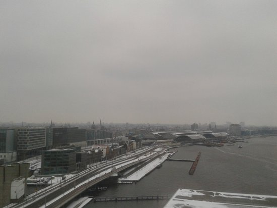 Movenpick Hotel Amsterdam City Center:                   another view from room 1714