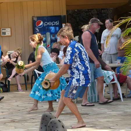 Kamaole Sands:                   Hula Dancers at Mai Tai party