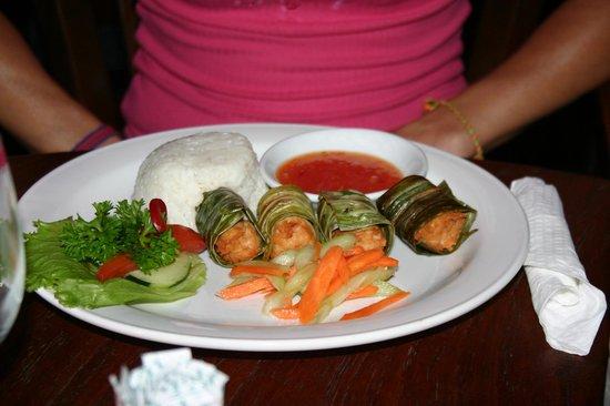 Hotel Puri Bambu: Beaucoup d'attente pour un plat bien moyen !