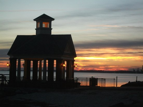 York River Inn Bed and Breakfast:                                     Sunrise on the beach behind the B & B