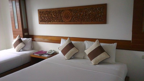 Chaweng Cove Beach Resort:                                     mi                                  