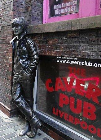 Cavern Pub