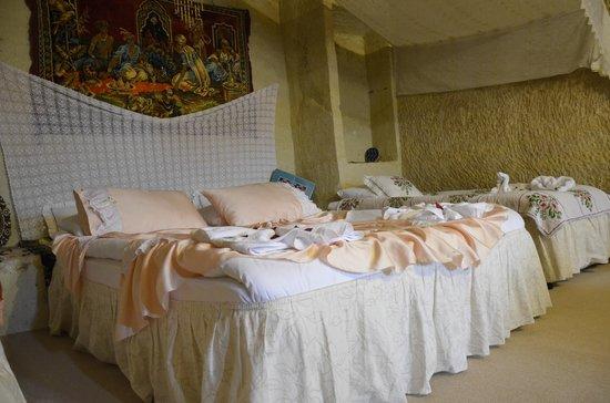 Urgup Kaya Hotel: cave room
