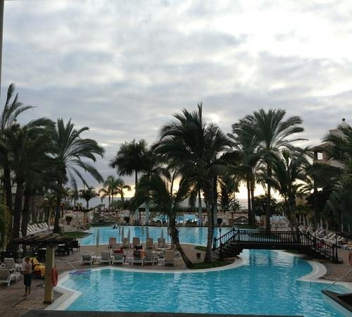 GF Gran Costa Adeje:                   view from hotel walkway