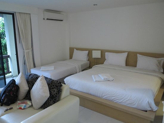 Ocean View Phuket Hotel:                   room