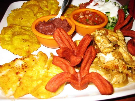 Hotel Playa Westfalia: Dinner (fried plantains, and pork)