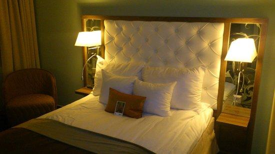Clarion Hotel Arlanda Airport: Nice double bed in room #704