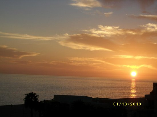 Pueblo Bonito Pacifica Golf & Spa Resort:                   View of the sunset from our suite