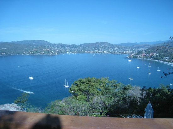 Amuleto:                   View of Zihuatanejo from our Suite