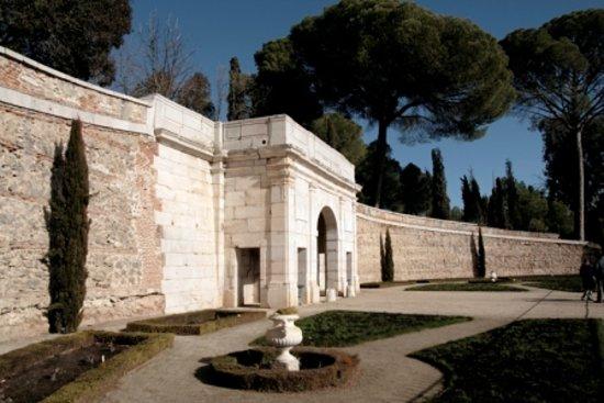 Gourmet Madrid Tours: Cellar near Aranjuez