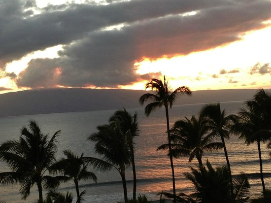 Marriott's Maui Ocean Club  - Lahaina & Napili Towers:                   sunset view from the balcony