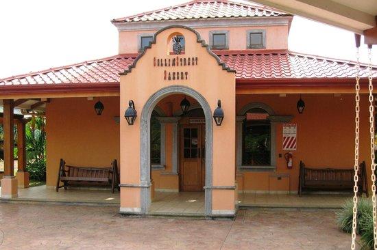 Finca Corsicana Pineapple Farm: Gift shop