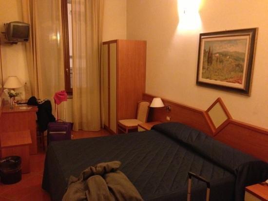 Hotel Axial: habitacion primer dia