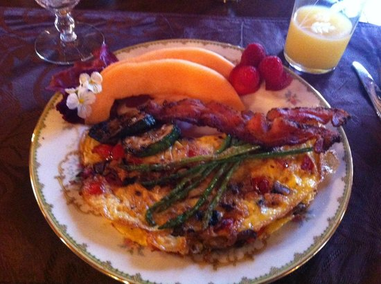Mansion District Inn Bed & Breakfast :                   My plate as served.  Truly amazing!