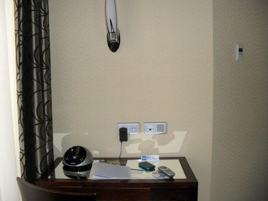 Grand Hotel Francais: Room 33 privilegée for 2 - Desk