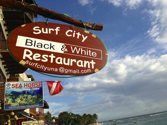 SurfCity Guesthouse´s restaurant Black & White Restaurant
