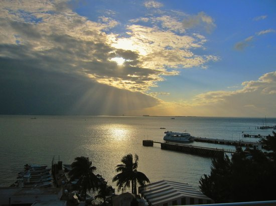Hotel Bahia Chac Chi: Sunset from ocean view room