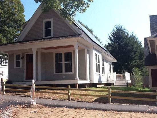 Concord Teacakes :                   House