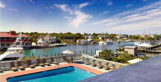 Shem Creek Inn: Creek Side View
