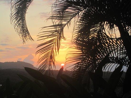 Maui Tradewinds:                   Sunset at Maui Tradewinds                 