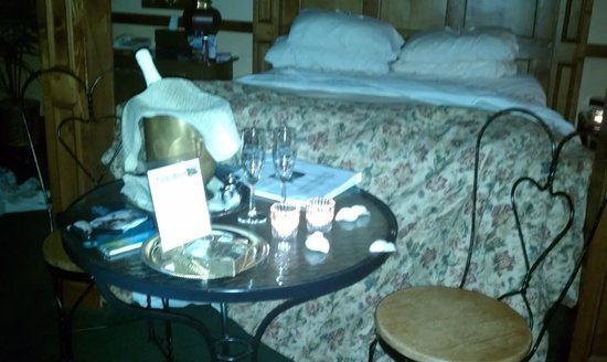 Walnut Street Inn:                   When we came back to the Danzero Room with the Romance package