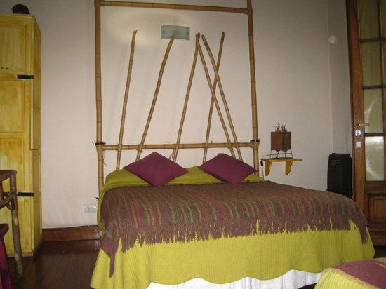Chez Seb Buenos Aires:                   Dormimos los 3 aquí, practicamos colecho en casa y a donde vamos.