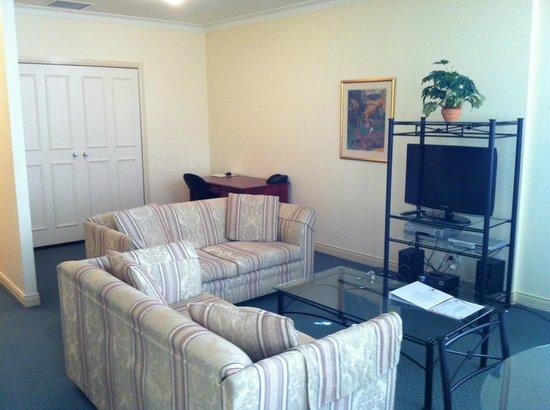 ULTIQA Rothbury Hotel: Lounge