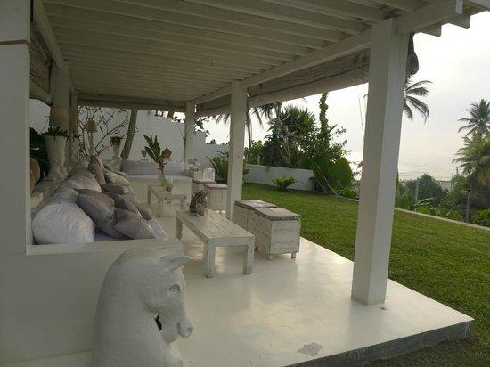 W15 Escape: Lounge area with a sea view