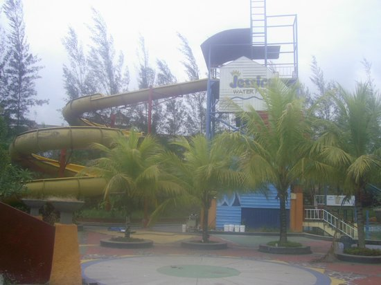 Wahana Air Jessica Water Park Samarinda Indonesia Review