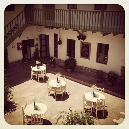 Ninos Hotel Fierro: a really homely and sweet place