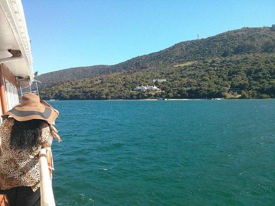 Knysna Paddle Cruiser Day Cruises : At the Knysna heads