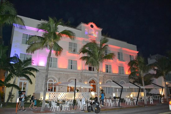 Marriott Vacation Club Pulse, South Beach: Frente del hotel por la noche