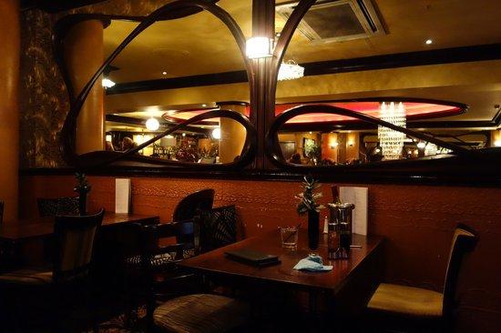 Henry's Cafe Bar: Dining Room