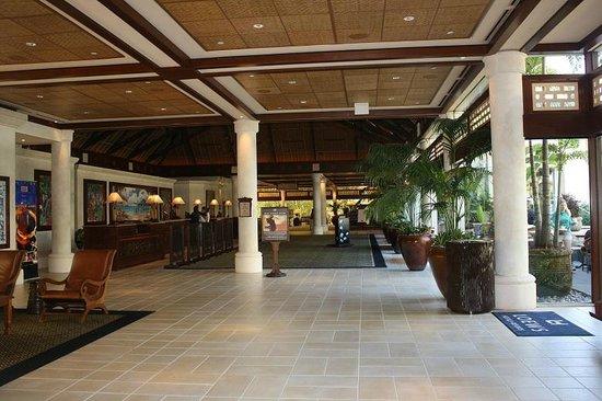 Loews Royal Pacific Resort at Universal Orlando: The lobby 