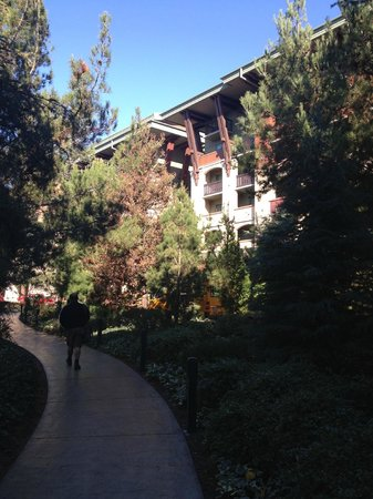 Disney's Grand Californian Hotel & Spa: Going to the lobby
