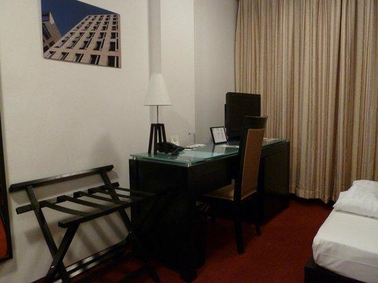 The Corner Hotel:                   Desk